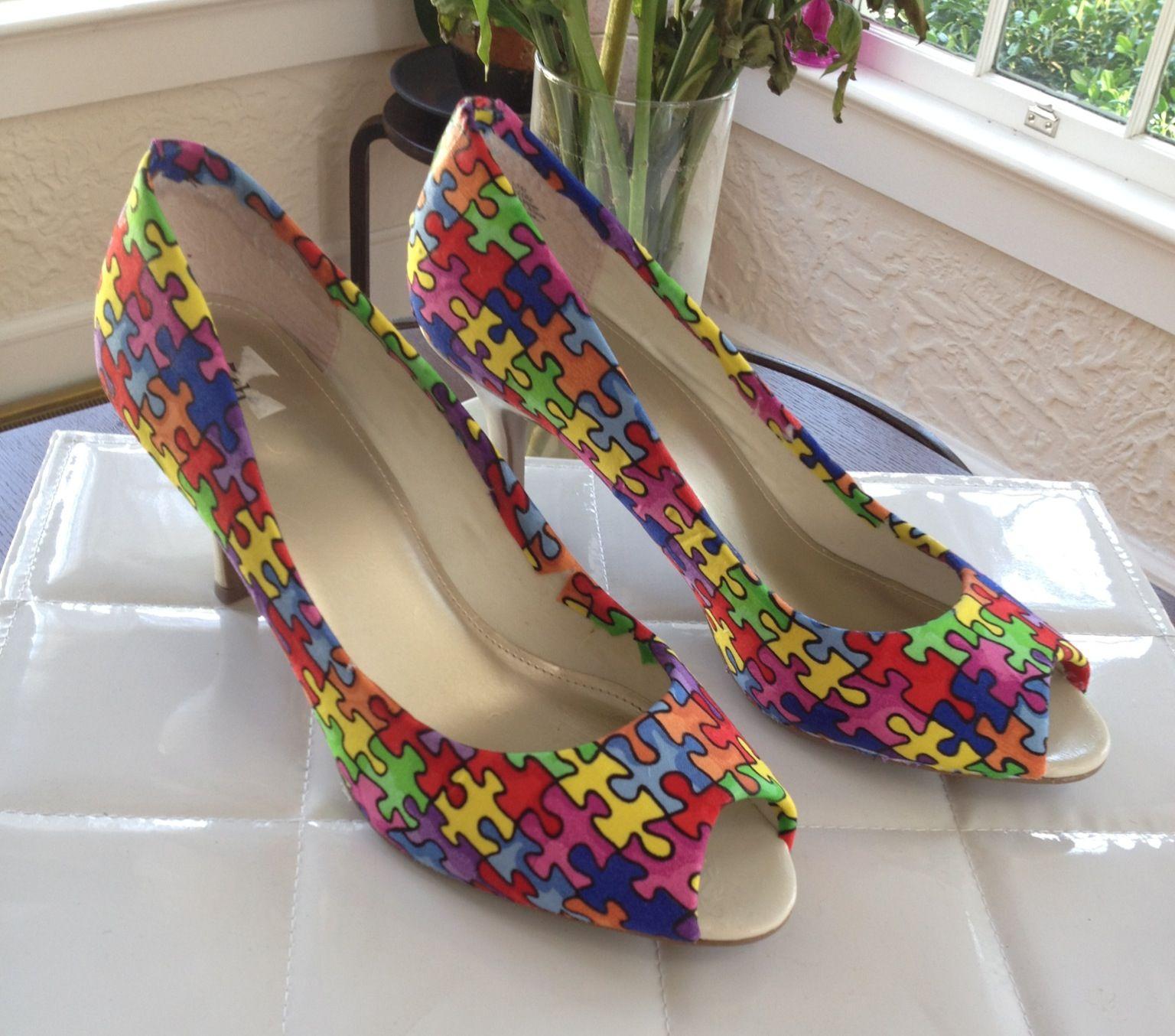 Puzzled! High heel makeover. www.theneoncat.com