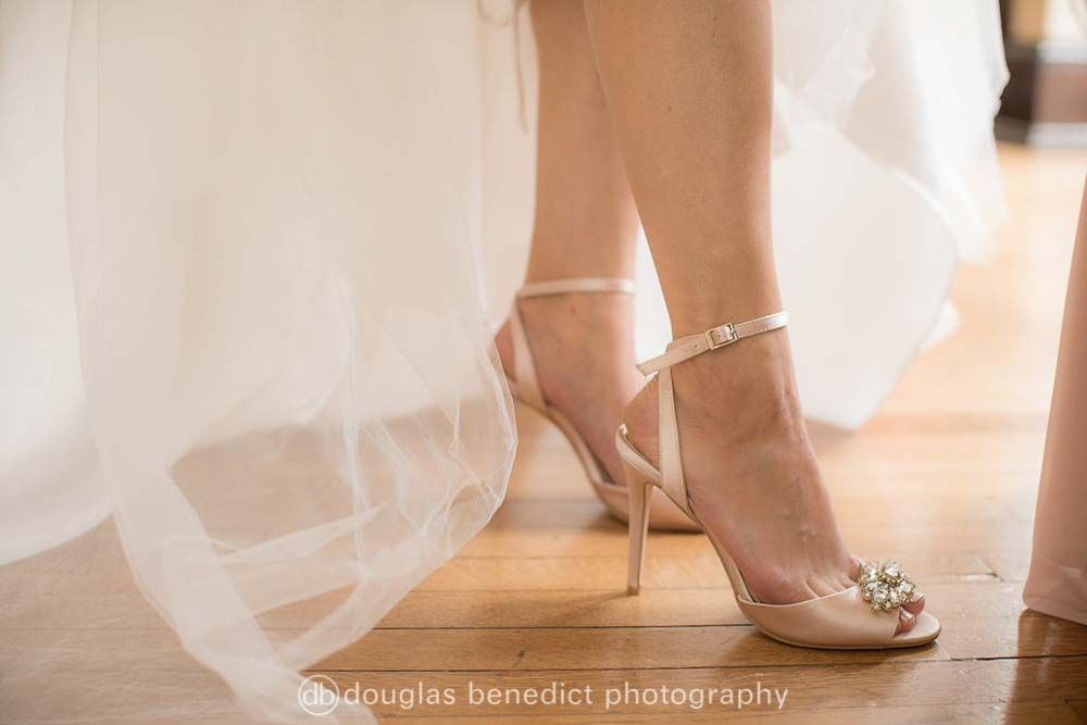 Gold Wedding Heels How To Be Comfortable In Heels The Perfect