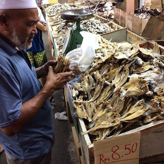 Locals Love The Dried Fish Market Nsk But The Smell Kualalumpur Malaysia Upsticksngo Driedfish Travel People Of The World Malaysia Travel Living