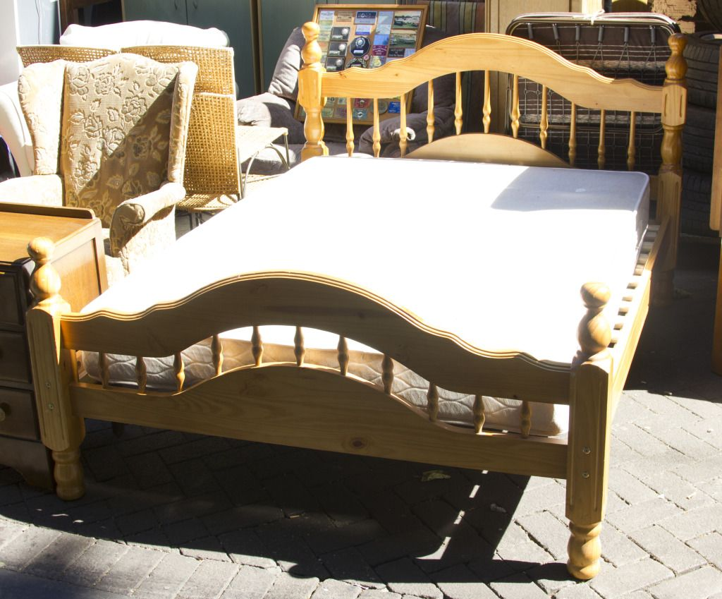Delicieux From Second Hand Bed To All Kind Of Second Hand Furniture You Will Get From Hackney  Furniture