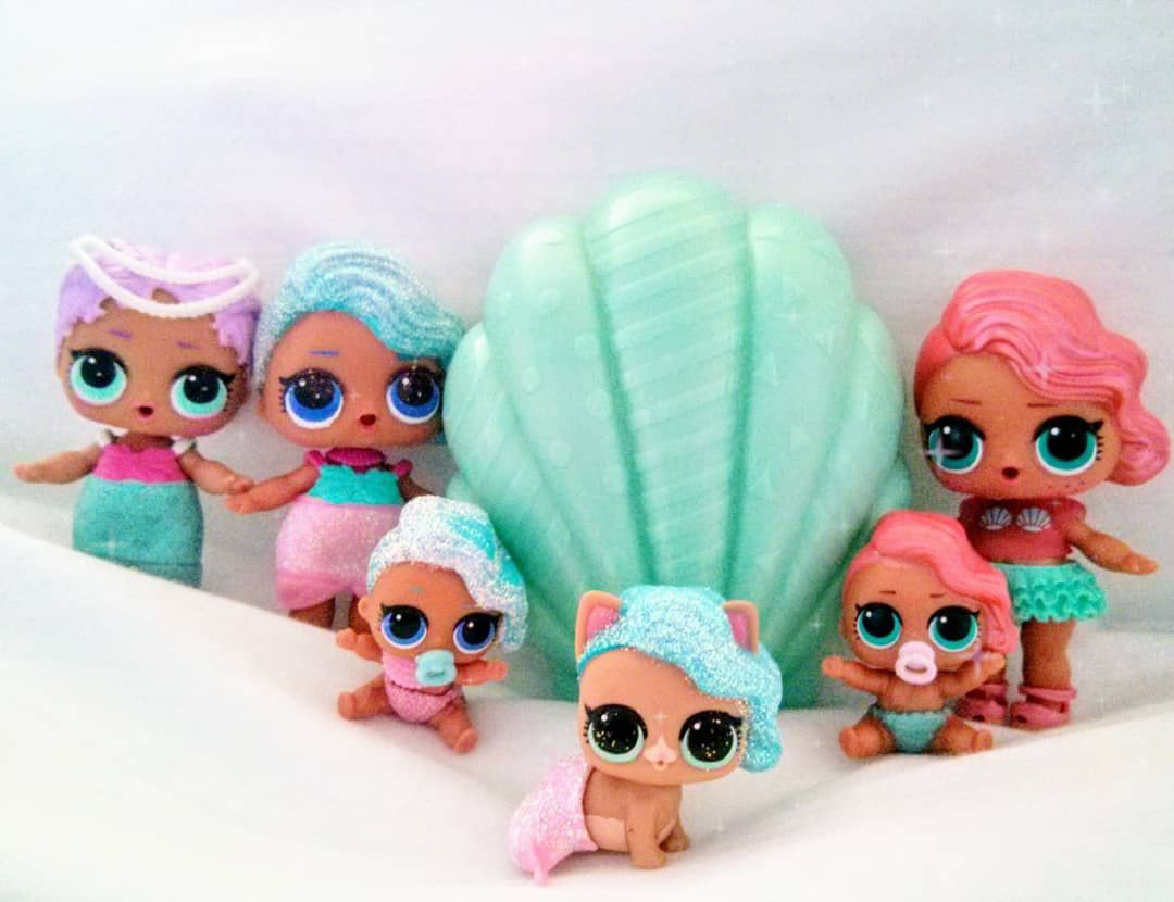 Mermaids Merbabies And Mercat Now Just Waiting For The Arrival Of Lol Pearl Surprise Wave 2 We Adore Mermaids Lol Dolls Merbaby Little Pet Shop