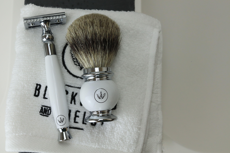 The Classical DoubleEdge Safety Razor Safety razor