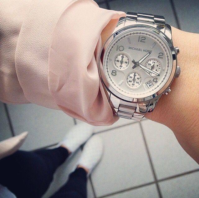 9808ae81376 Michael Kors Runway Silver Chronograph watch MK5076
