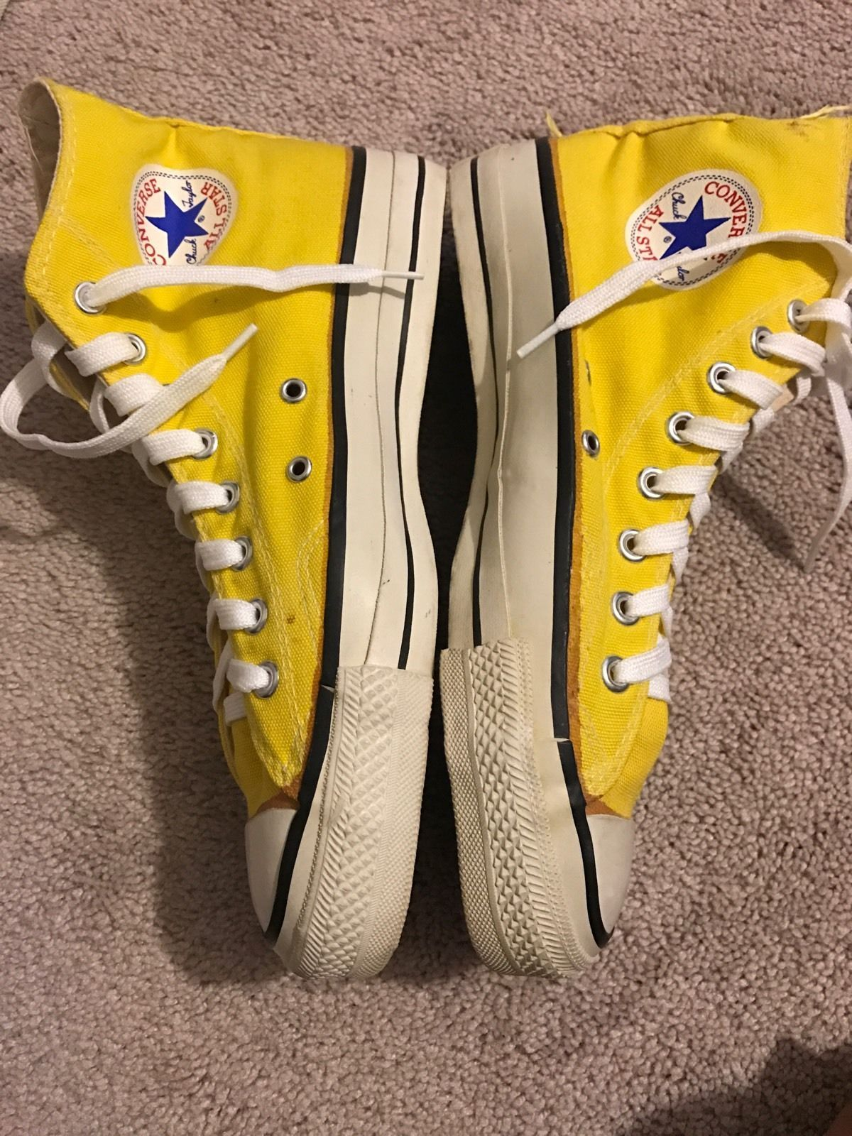 955d9006316d9c Vintage Converse All star 80 s Extra Stitch Yellow color size 9 Made in USA