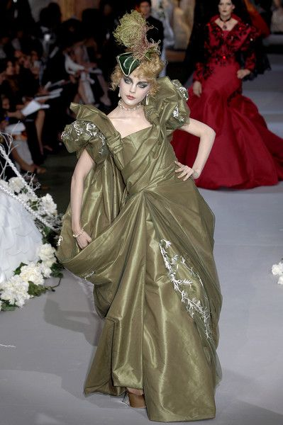 Christian Dior at Couture Fall 2007 - Runway Photos