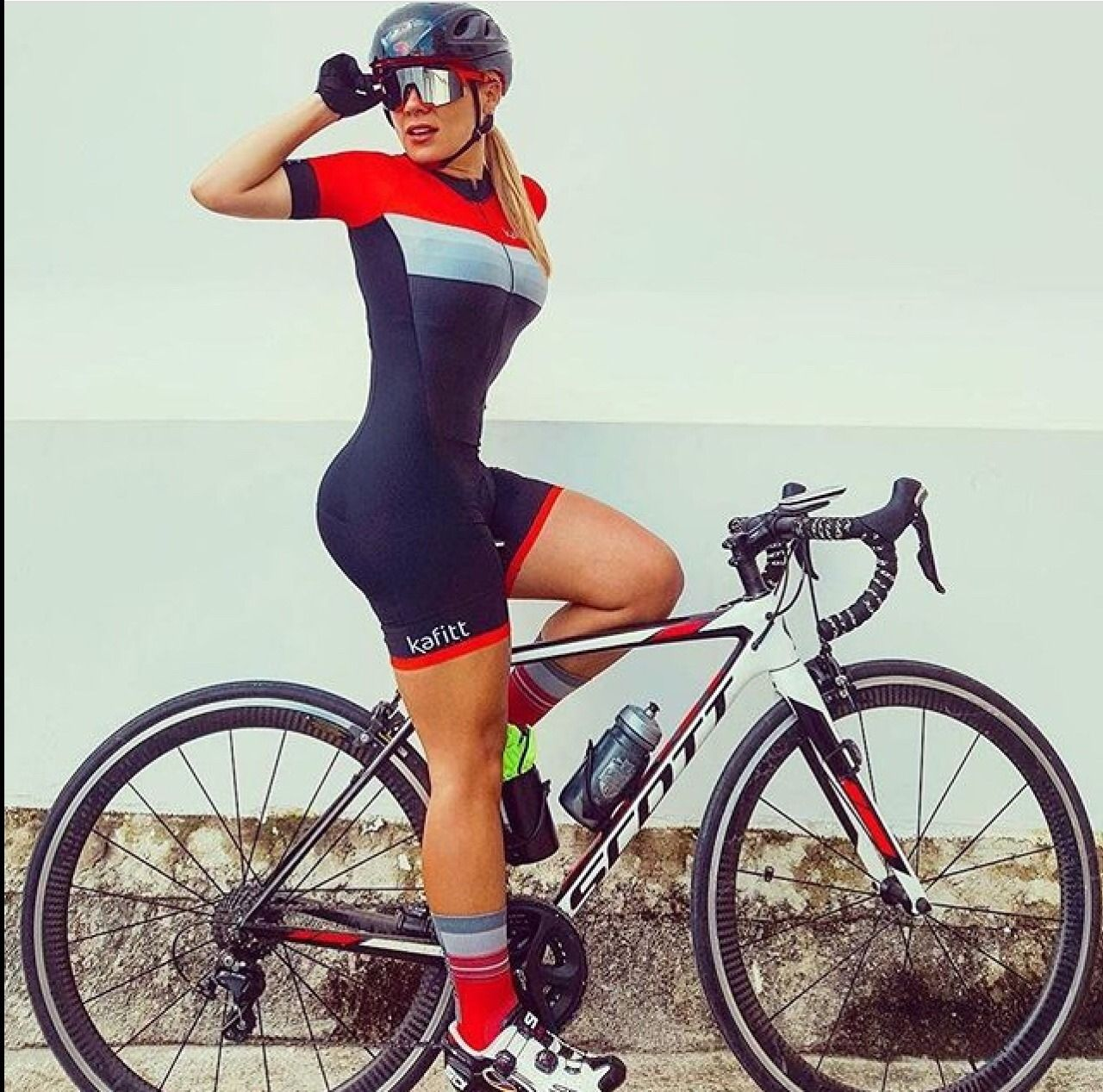 There Is Nothing Quite So Beautiful As A Women With A Bike Cycling Clothing And Equipment Bicycle Girl Cycling Women