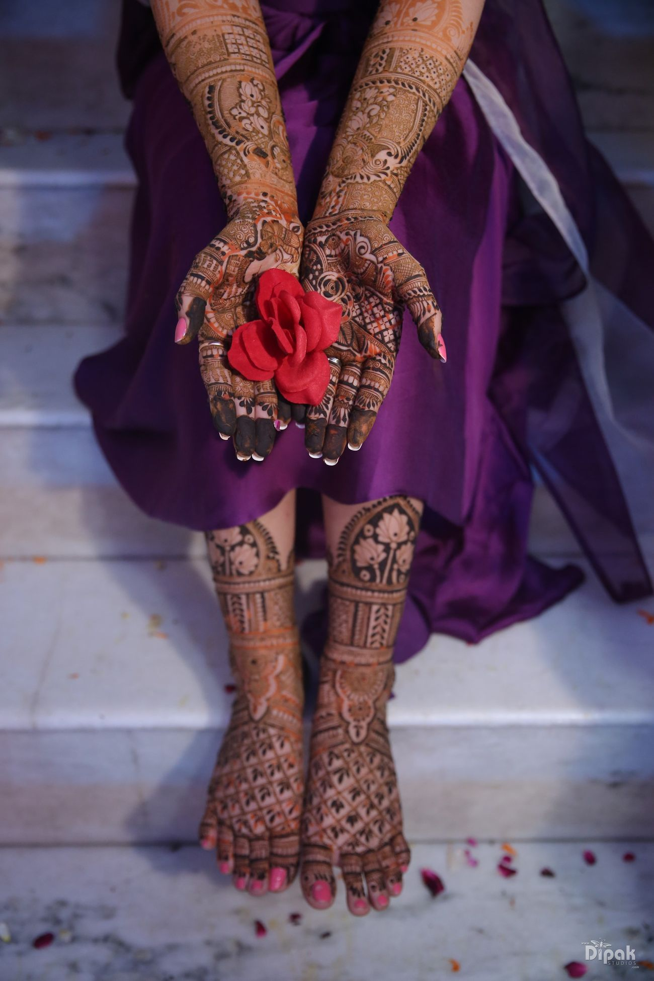 Beautiful delhi wedding with a bride in offbeat outfits in