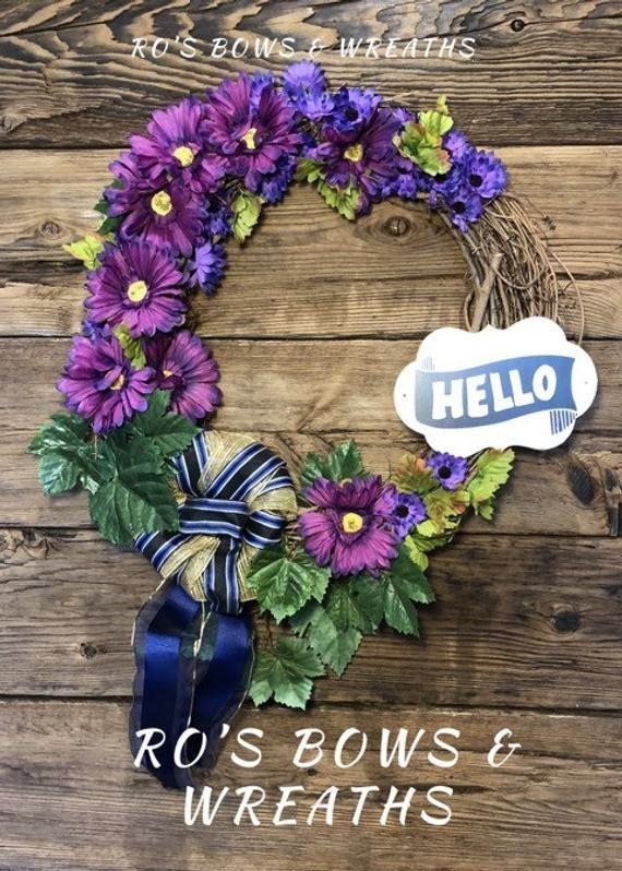 Photo of Lila Hallo Kränze, lila Blumen auf Weinrebe, lila Weinkränze für die Haustür,