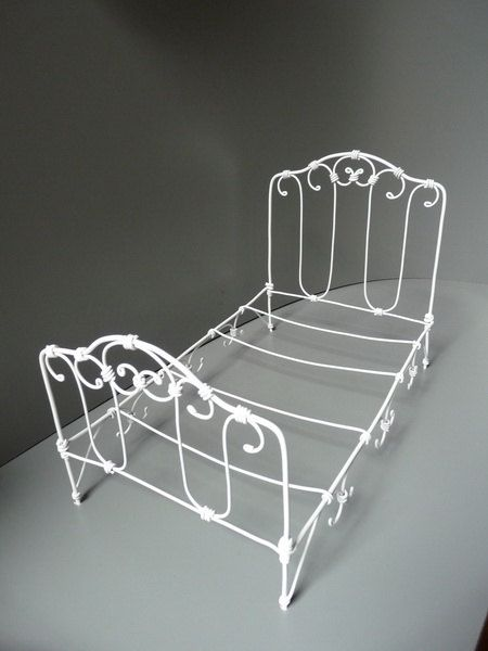 Dolls House Miniature Bedroom Furniture White Wire Single Bed and Mattress