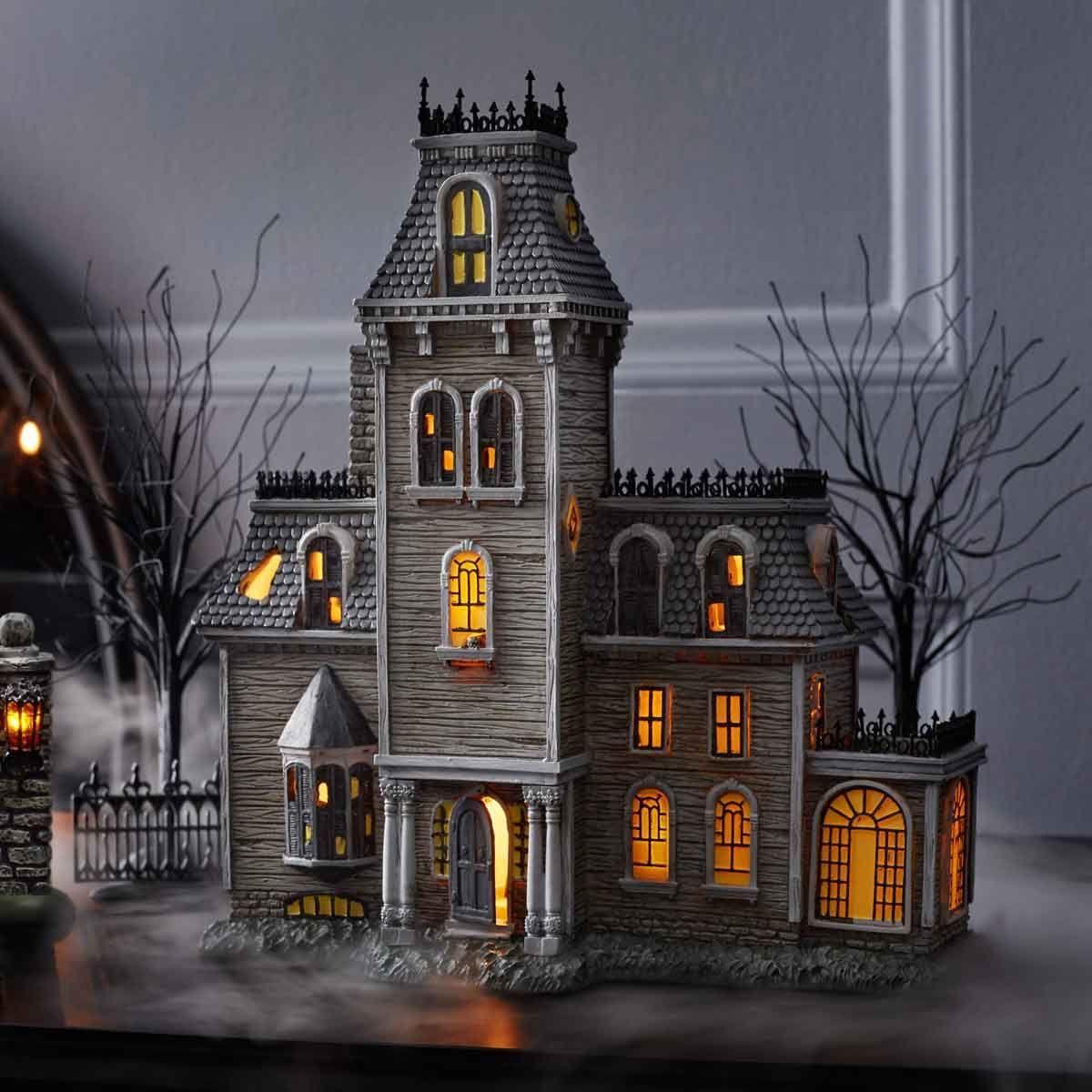 The Addams Family House Addams family house, Spooky