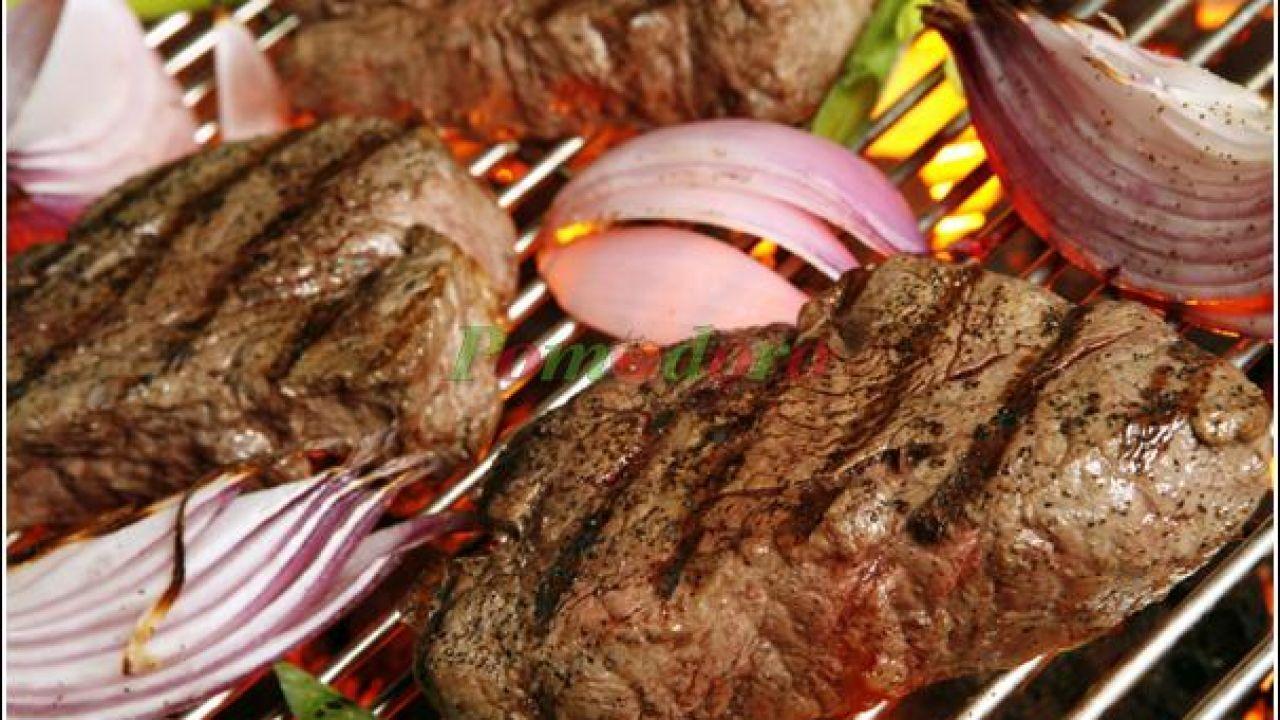 طريقة تحمير اللحم بالفرن Steak On Gas Grill How To Grill Steak Grilled Steak