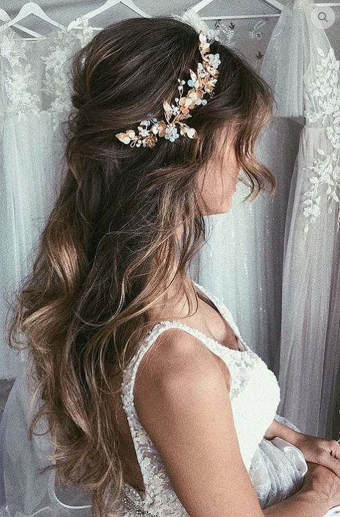 Hair Style Bridal Hairstyle Wedding Scattered Hairstyle Long Hair Half Up Half Down Loose Hair Styl Wedding Hair Inspiration Hair Styles Wedding Hair Half
