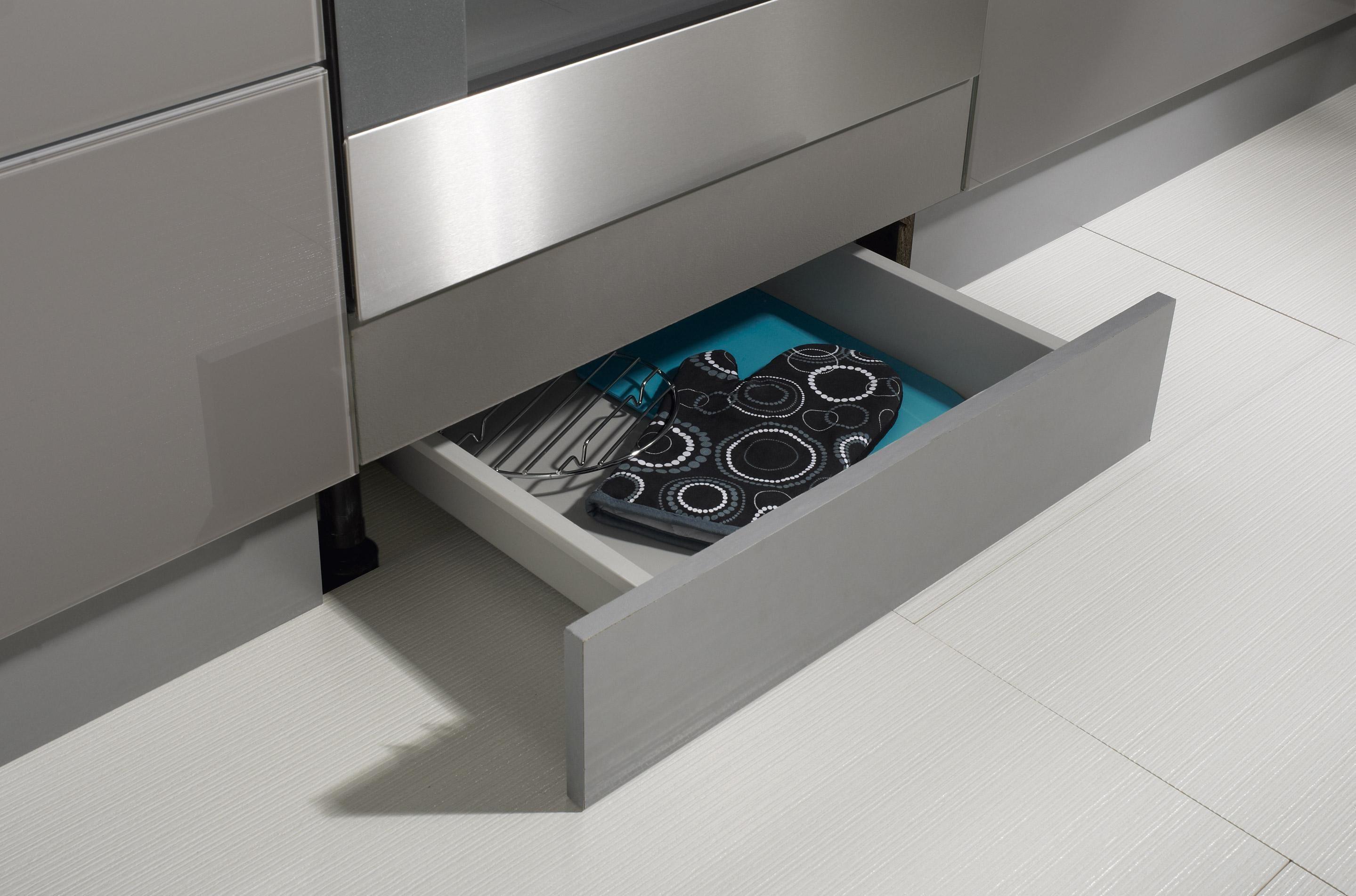 Tiroir Sous Four Delinia H 5 4 X L 60 X P50 Cm En 2020 Placard Cuisine Meuble Cuisine Et Plinthe Cuisine