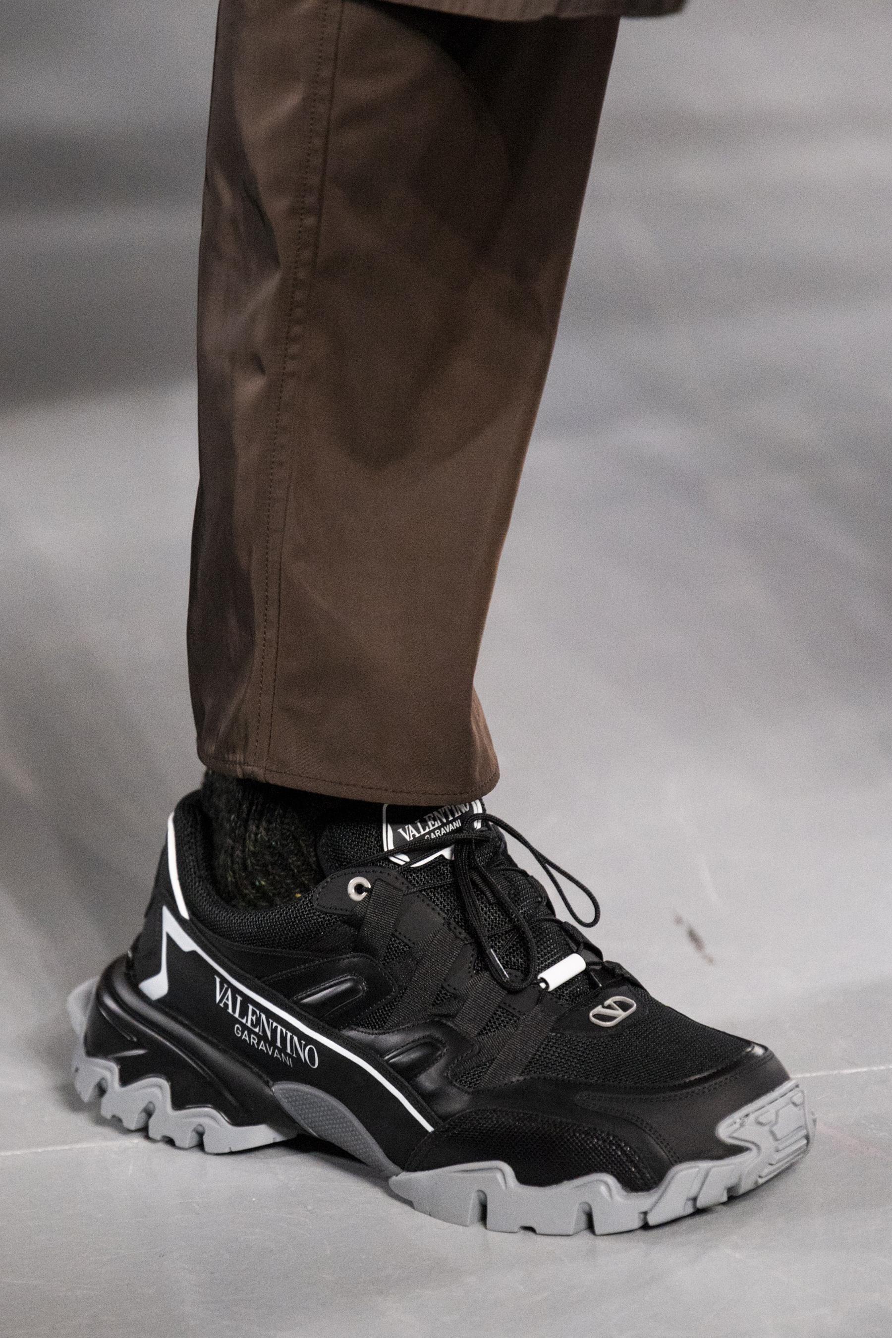 vente chaude en ligne 894a5 34ad2 Défilé Valentino automne-hiver 2019-2020 Homme | Shoes ...