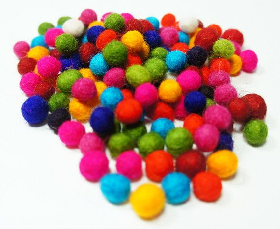 100Pcs Pom Pom Colorful Wool Felt Balls Hand Beads Nursery Christmas DIY Craft