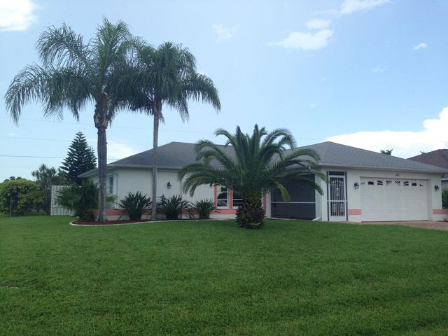 [PHOTO] | Cape coral real estate, House styles, Mansions