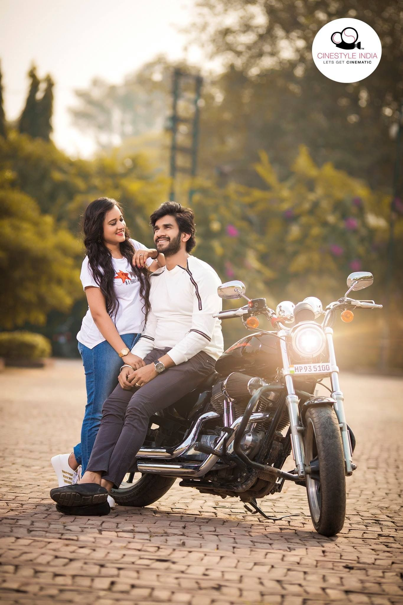 Very Attractive Couple Lookout Indian Wedding Photography Poses Pre Wedding Poses Couple Photography Poses