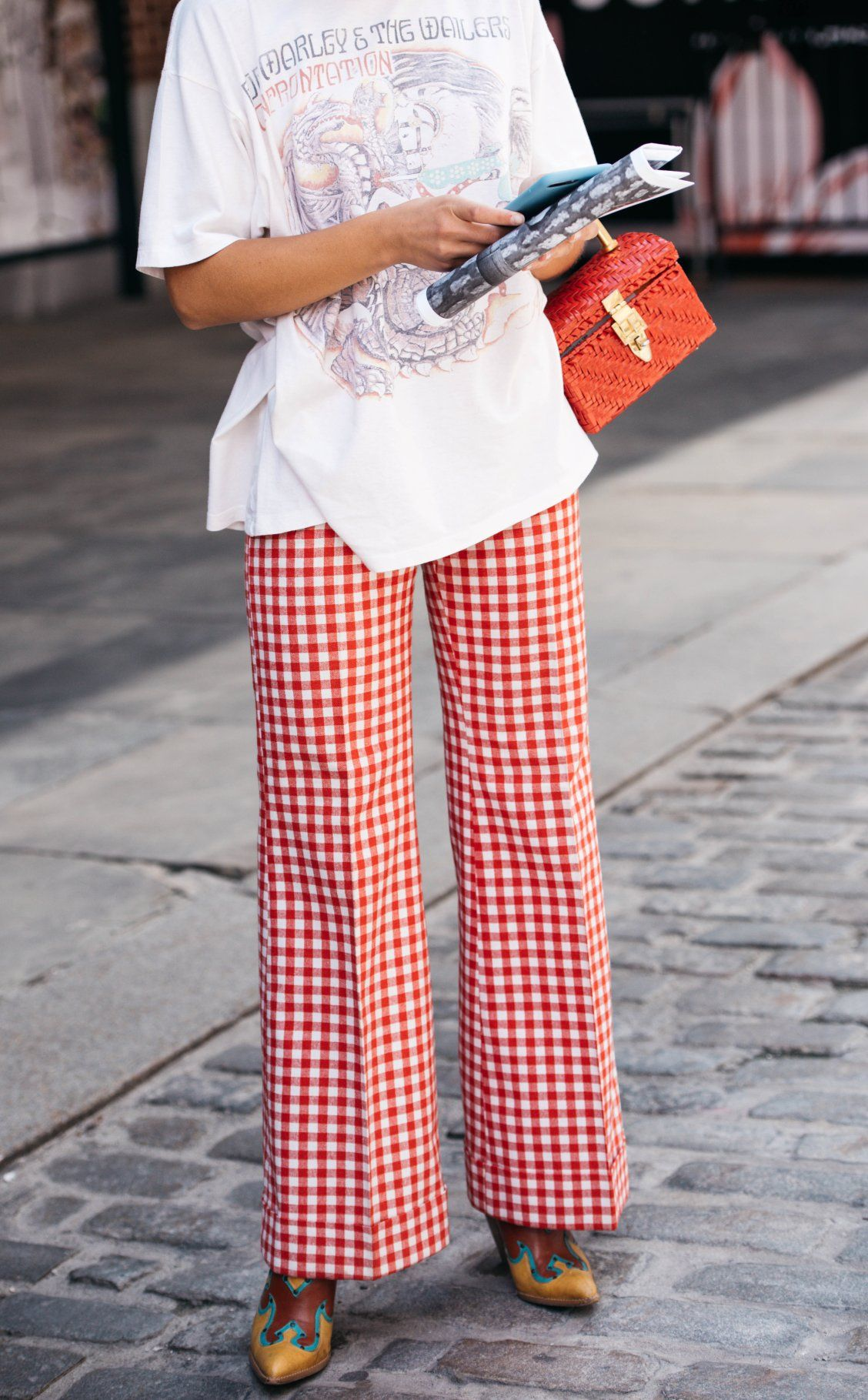 ROSIE ASSOULIN checked cropped trousers, explore on Farfetch now.