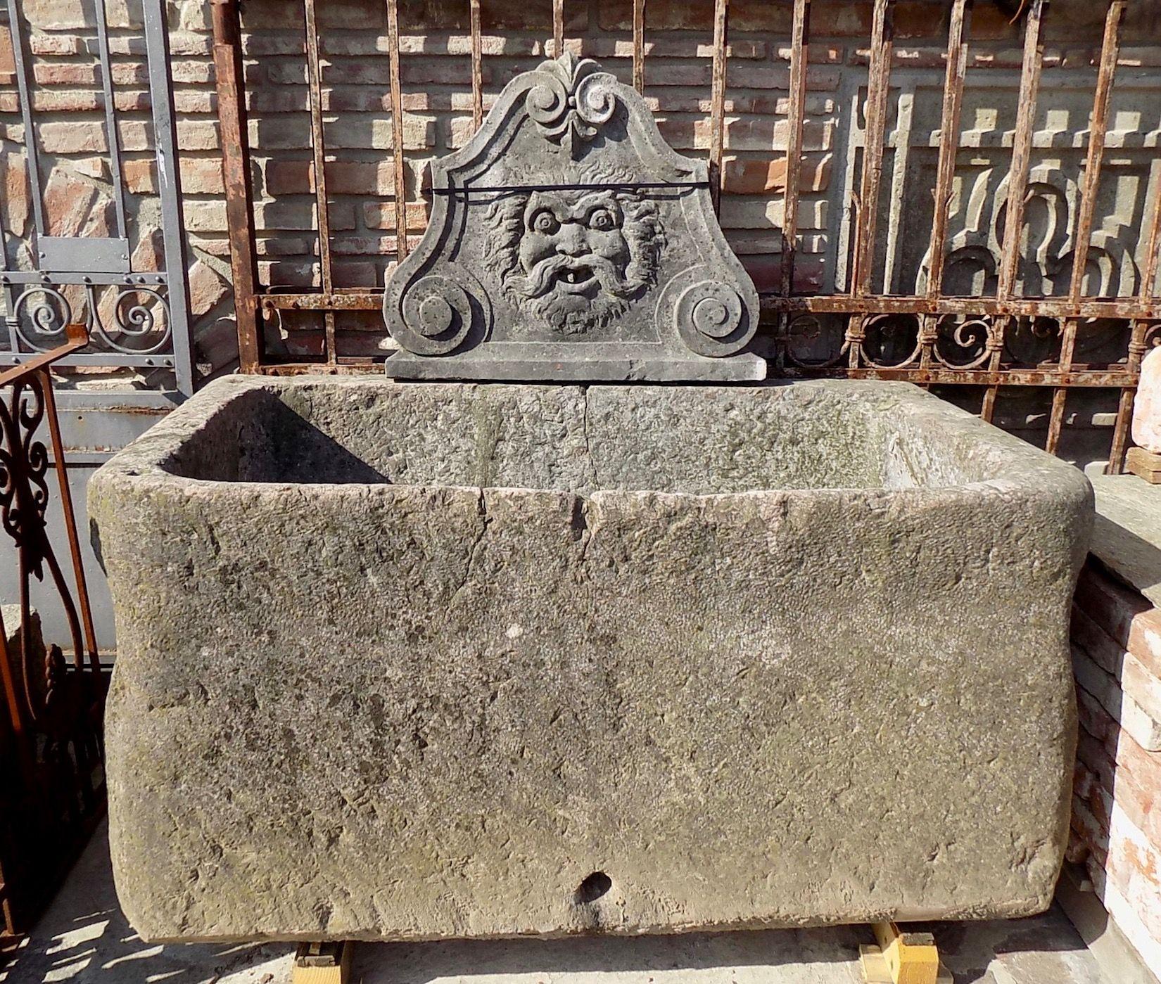 Vasche In Pietra Per Fontane antica vasca in pietra con mascherone originale di recupero