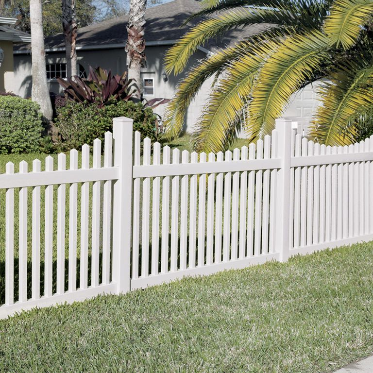 Lennox 4x8 Vinyl Picket Fence Kit Vinyl Fence Freedom Outdoor Living For Lowes White Vinyl Fence Vinyl Fence Vinyl Fence Panels