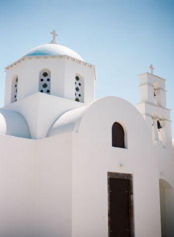 White Chapel in Santorini | photography by http://www.cinziabruschini.it