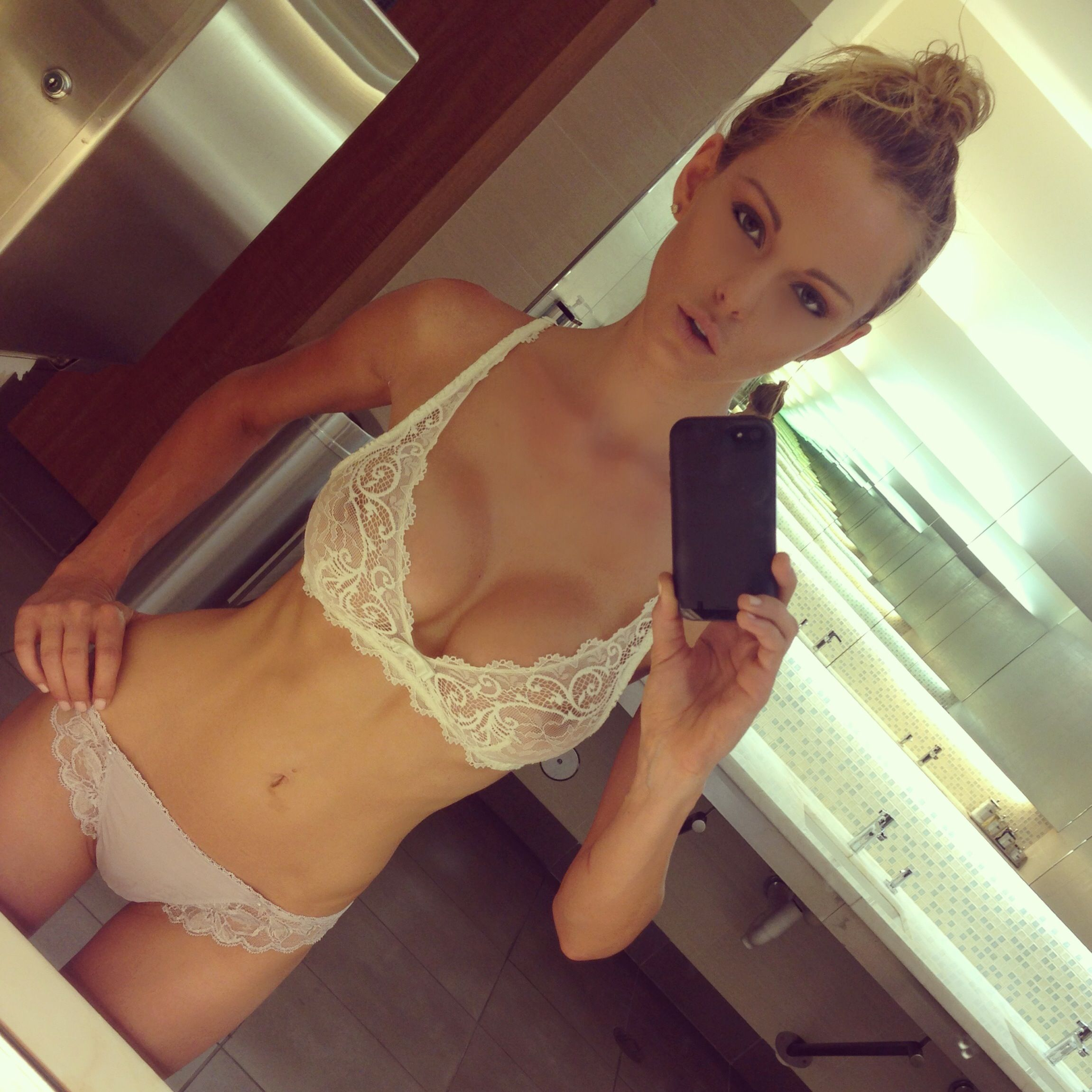 teens in panties selfies