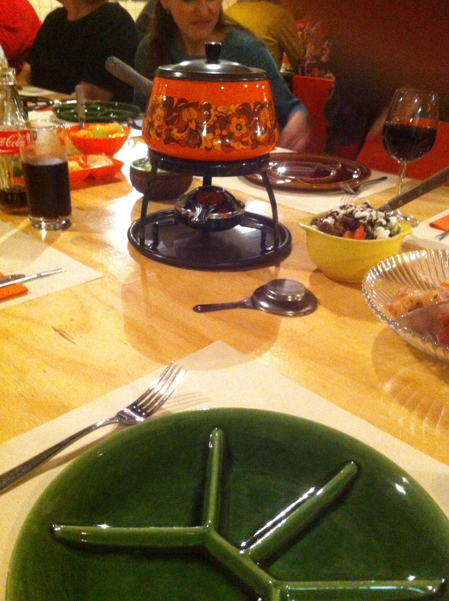 fondue mit unseren eltern haben wir immer fleischfondue. Black Bedroom Furniture Sets. Home Design Ideas