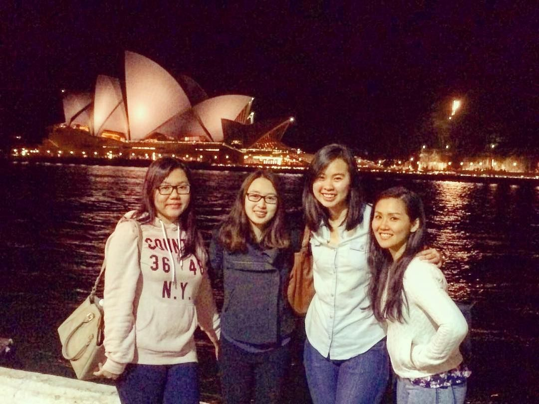Obligatory group photo at the Harbour Bridge! #sydney #friends #sydneyharbourbridge by adlynncec http://ift.tt/1NRMbNv