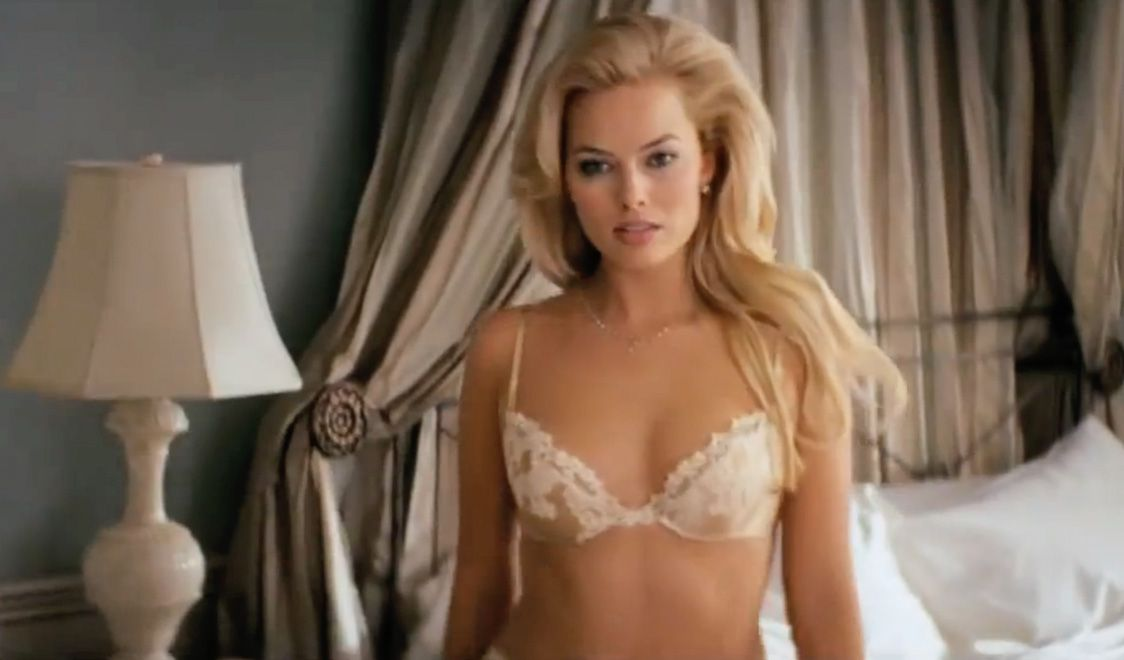 Margot robbie wolf of wall street scene