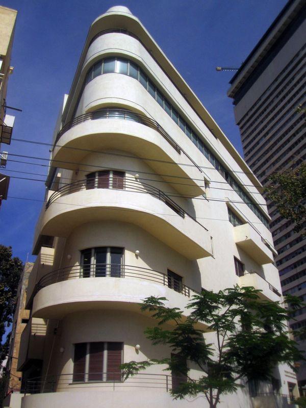 Beautiful corner residential building in Tel Aviv.