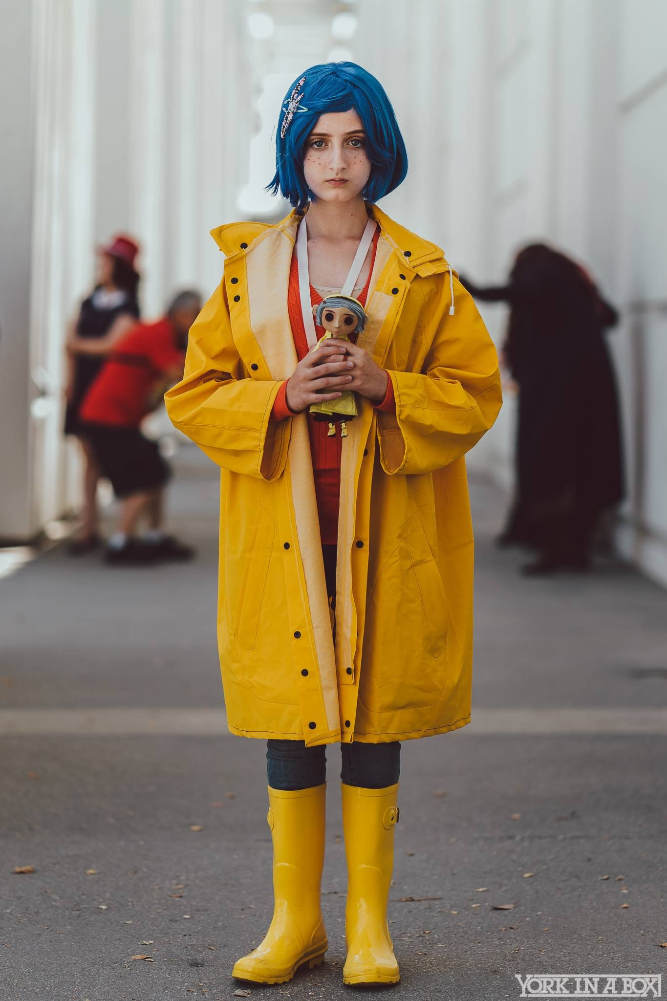 Coraline Cosplay At Comic Con Revolution 2017 Comic Con Outfits Comic Con Costumes Comic Con Cosplay