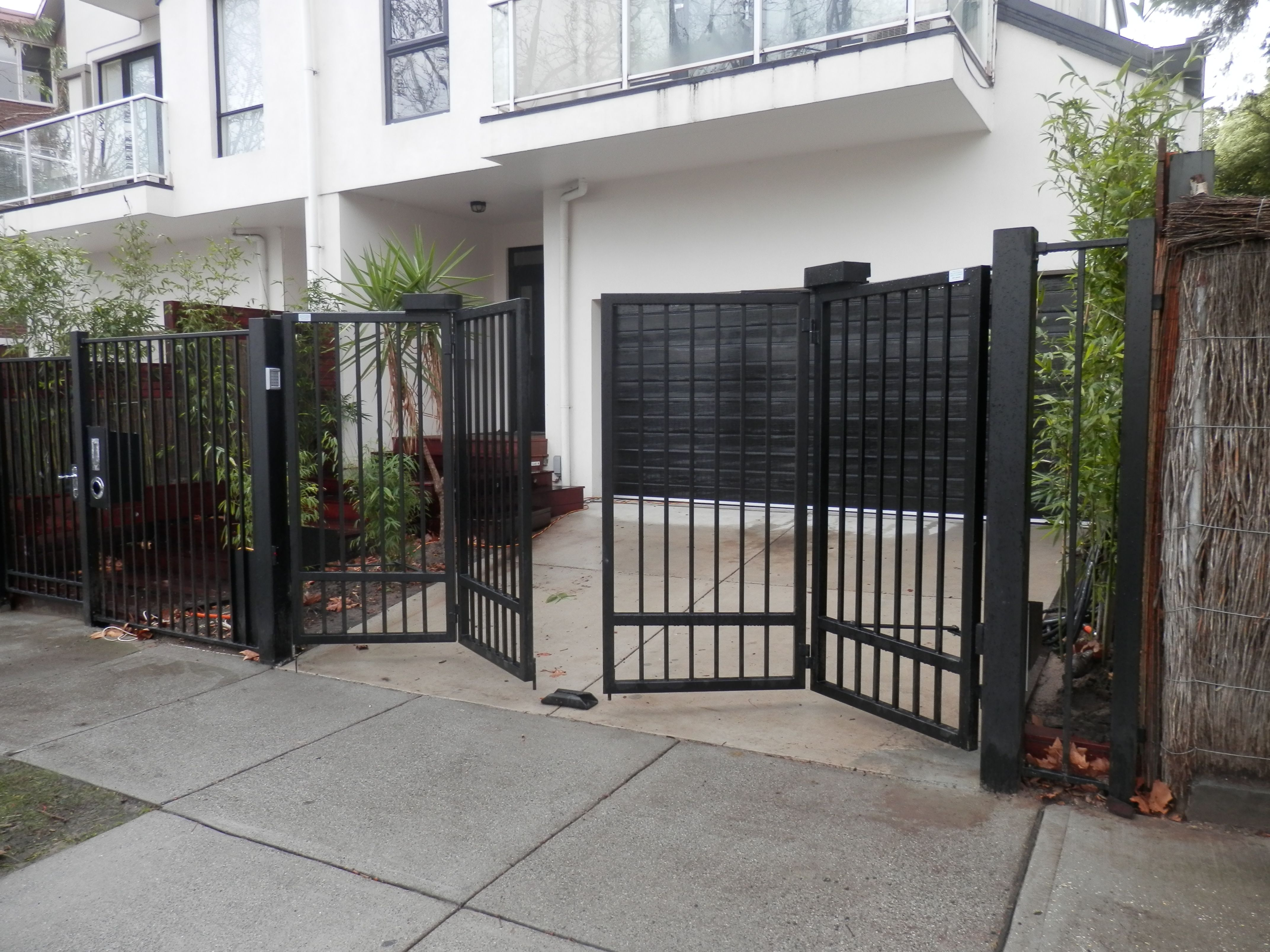 Automatic Gates Openers Residential No 2 Bf Design Bi Fold Trackless Automatic Gates Bar