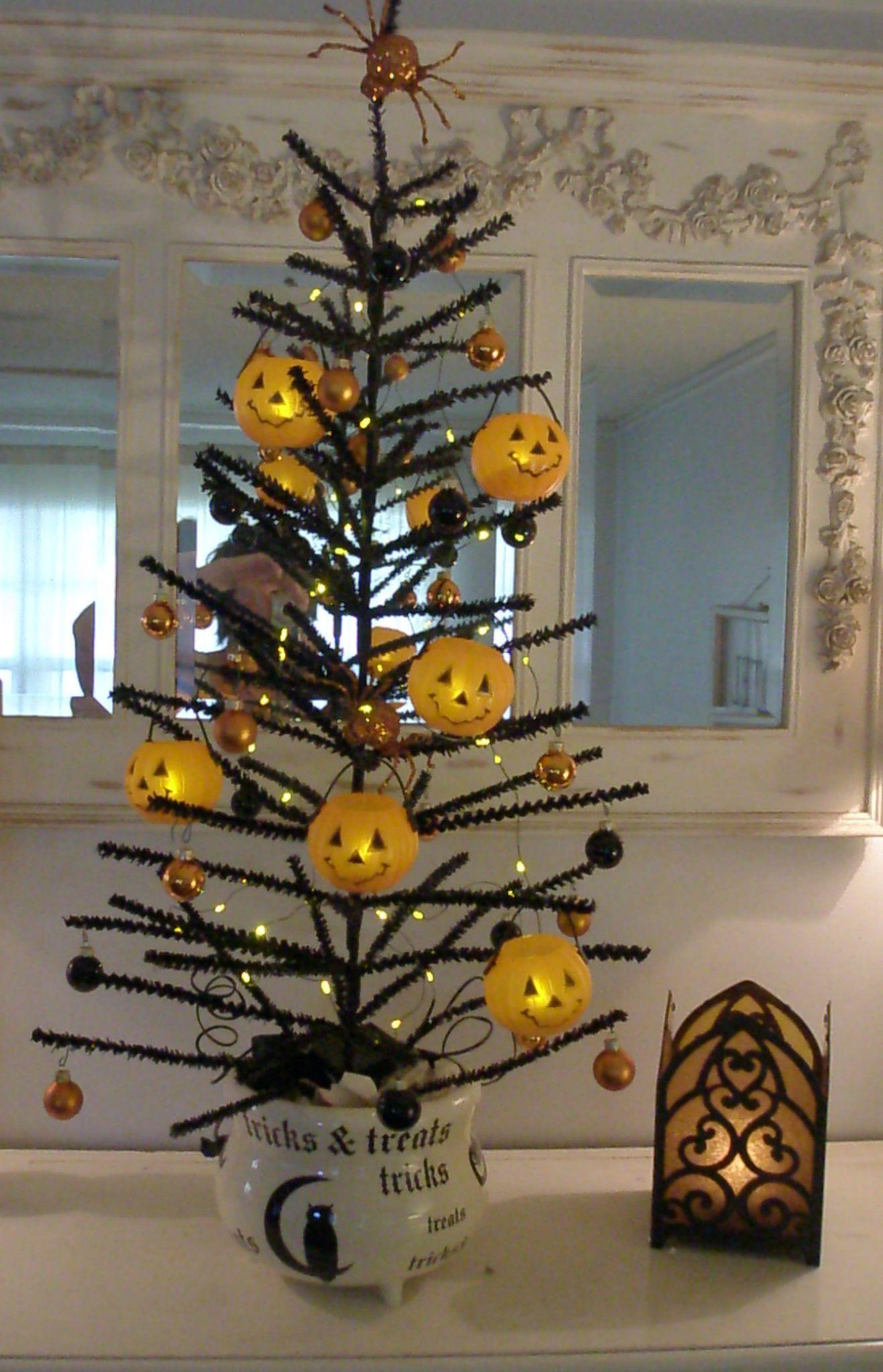 My Halloween Tree HALLOWEEN Pinterest Halloween trees - halloween tree decoration