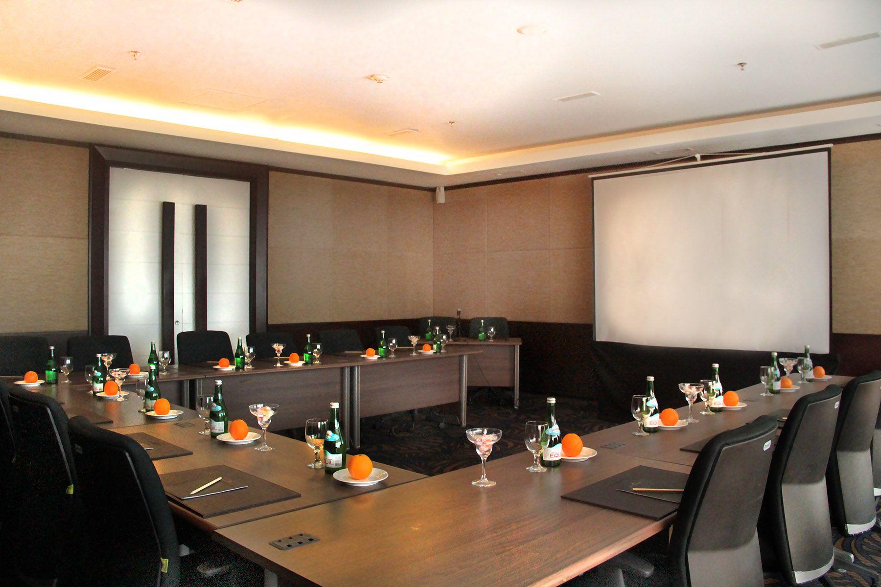 Pemandengan Meeting Room