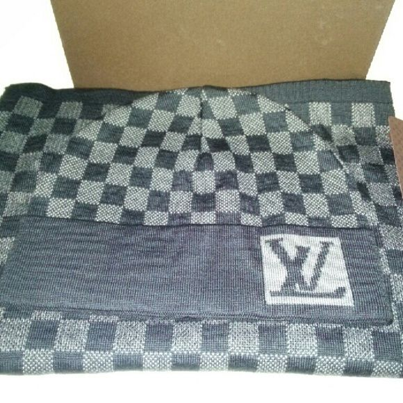 92394bbb2e9 Louis Vuitton scarf and hat set Louis Vuitton graphite scarf and hat beanie  set Comes with box No trades Louis Vuitton Accessories Scarves   Wraps