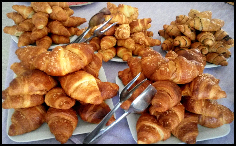 la new entry di quest'anno nelle colazioni dell'Hotel Torino: anche le brioches a buffet : integrali al miele, crema, cioccolato e le classiche alla marmellata