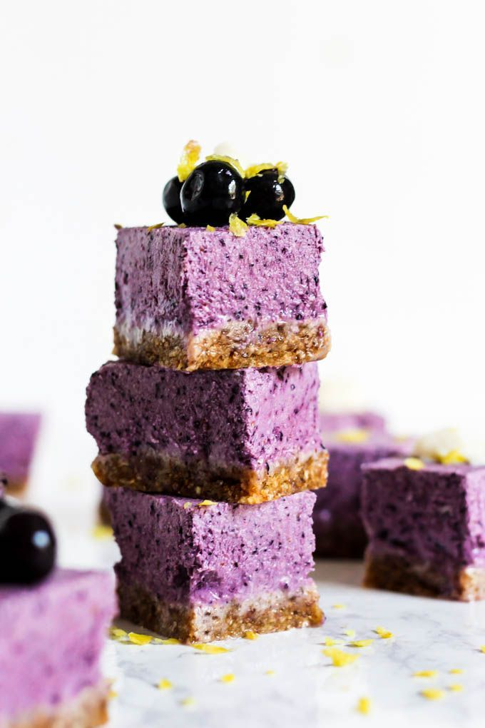 No Bake Lemon Blueberry Cheesecake Bars (vegan & gluten-free) #lemonblueberrycheesecake No Bake Lemon Blueberry Cheesecake Bars (vegan & gluten-free) – Emilie Eats #lemonblueberrycheesecake