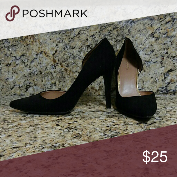 Super cute black pointed toe heels. Never worn Black. Size 11. Merona heels. Never worn. Super cute. Gold lining on the inside. In great conditions. Merona Shoes Heels