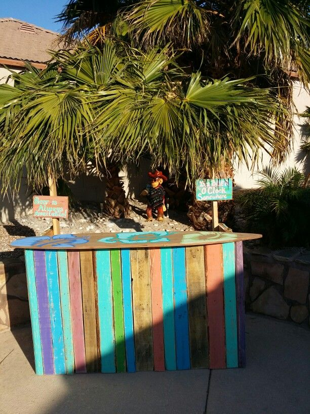 Tiki Bar I Made Out Of Pallet Wood Backyard Pinterest