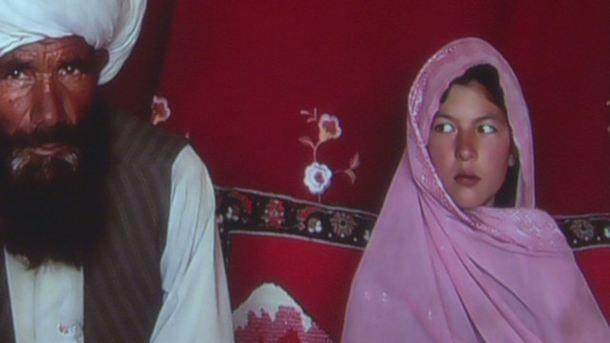 Una fotógrafa retrata las bodas de las niñas-novias en países musulmanes - amanpour-sinclair-child-marriage,