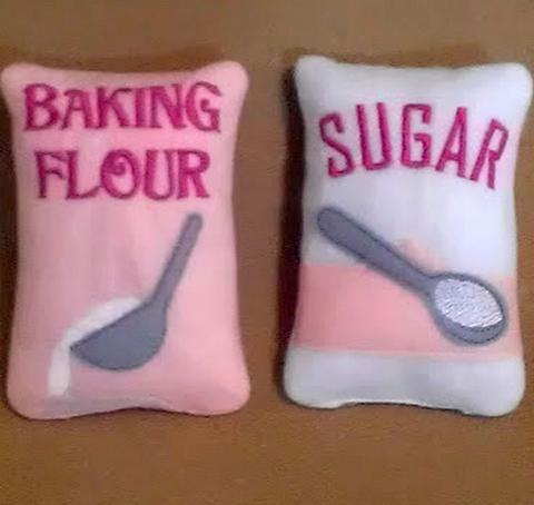 Borsa di farina rosa e zucchero Giochi con il cibo
