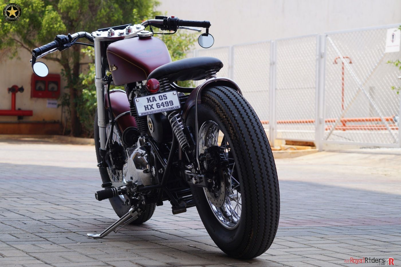 Stretched Swing Arm With Custom Rear Number Plate Enfield