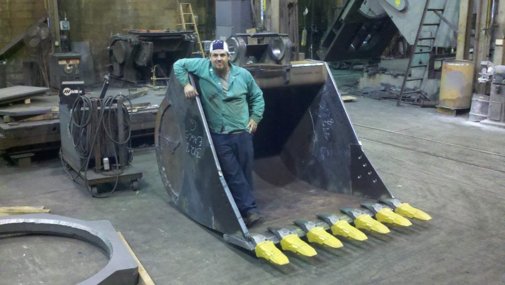 Bucket For A 385 Excavator I Built In 2011 Welding Trailer Excavator Excavator Buckets