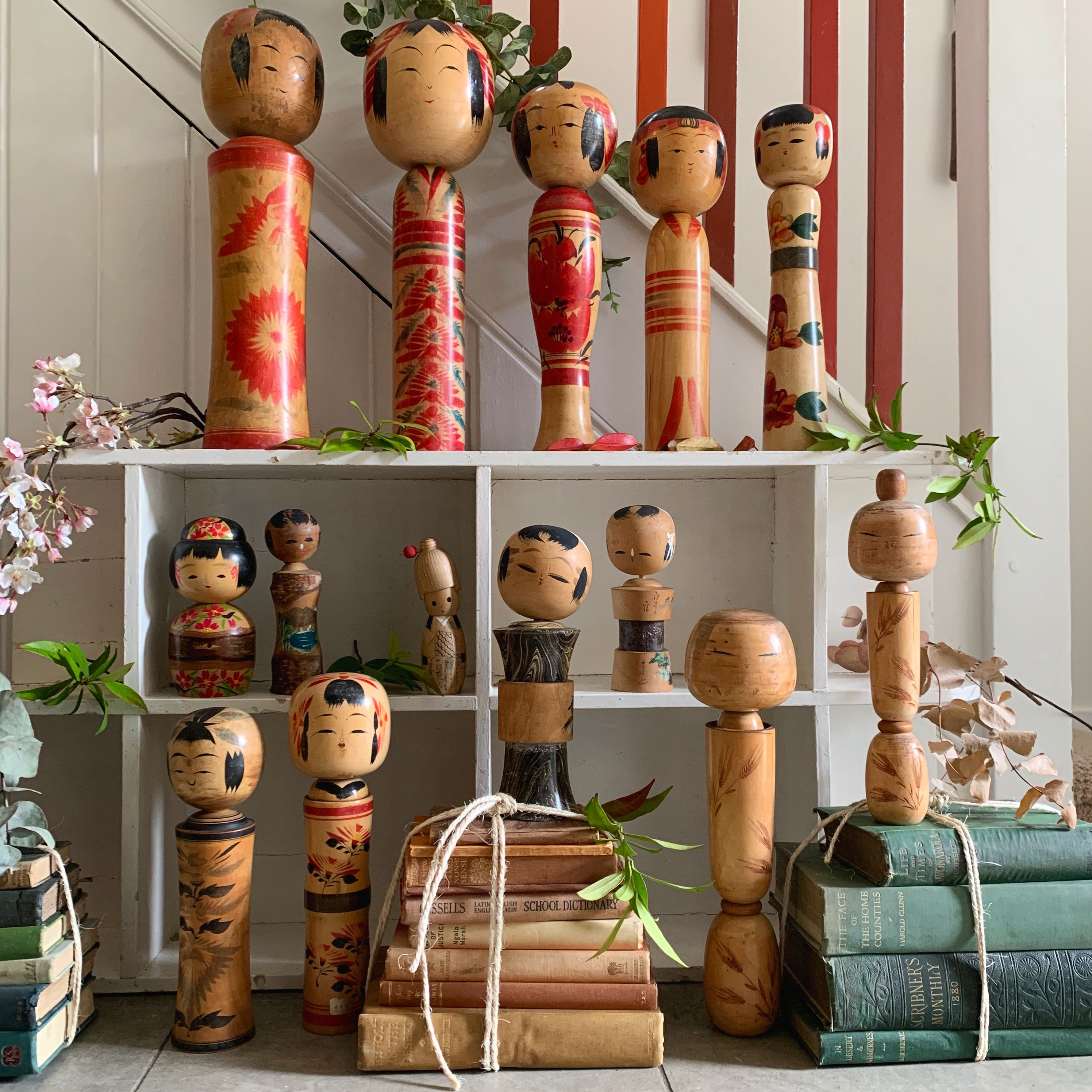 I live kokeshi dolls.  They have been crafted for more than 150 years, each one is unique and they are thought to bring good luck and protection to the home. A wonderful decorative accessory  - collect a few of these wonderful dolls or add it to a sideboard or shelf with other quirky accessories. #vintagehomedecor #kokeshidolls #vintagehome #antiquedecor
