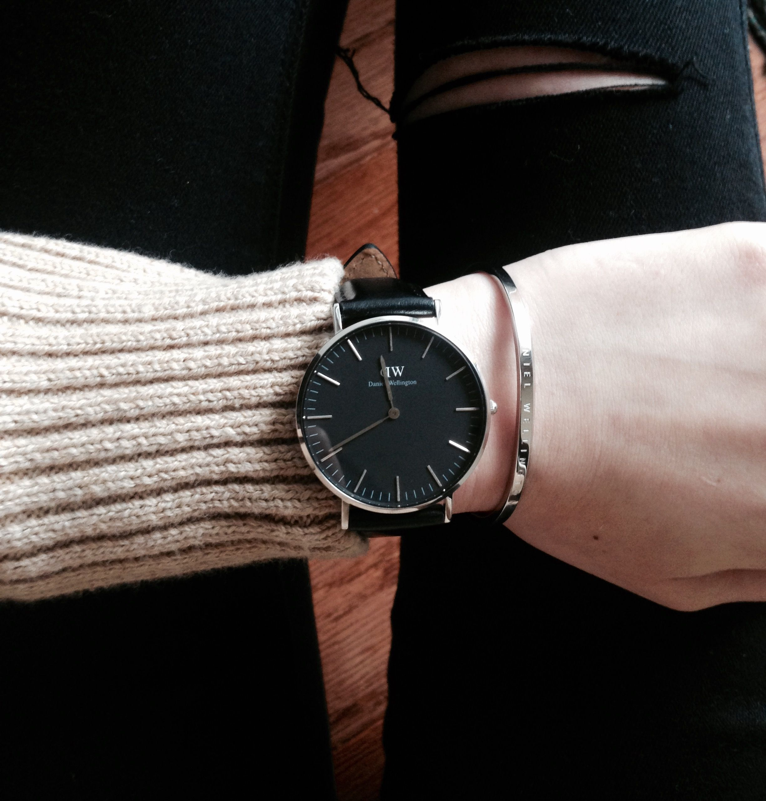 f84698065e70 My beautiful Daniel Wellington watch and cuff arrived today! The design is  gorgeous and goes