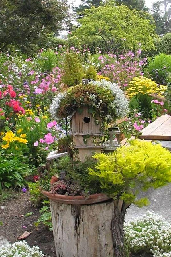 D corer un tronc avec des fleurs voici 15 id es cr atives deco jardin pinterest - Decorer un jardin ...