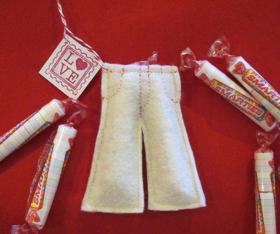 Smartie Pants Favors - Felt Craft - PDF file - Great for Valentines, Classroom Treats, etc.