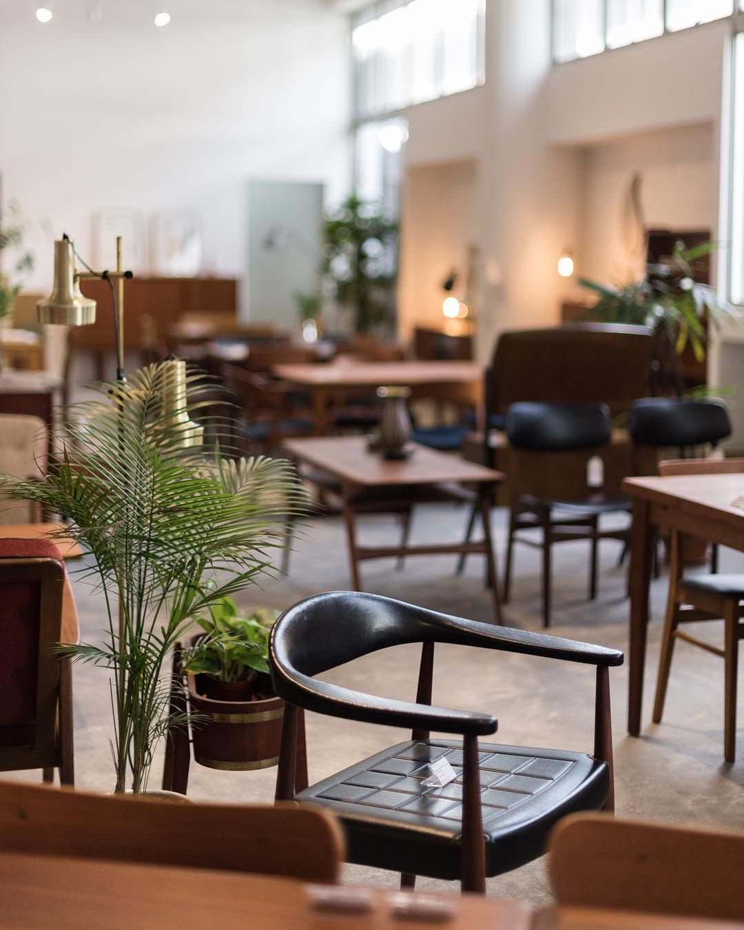 Here Are The 10 Best Places To Shop For Vintage Scandinavian Design Nordic Design Scandinavian Design Danish Vintage Furniture Nordic Design