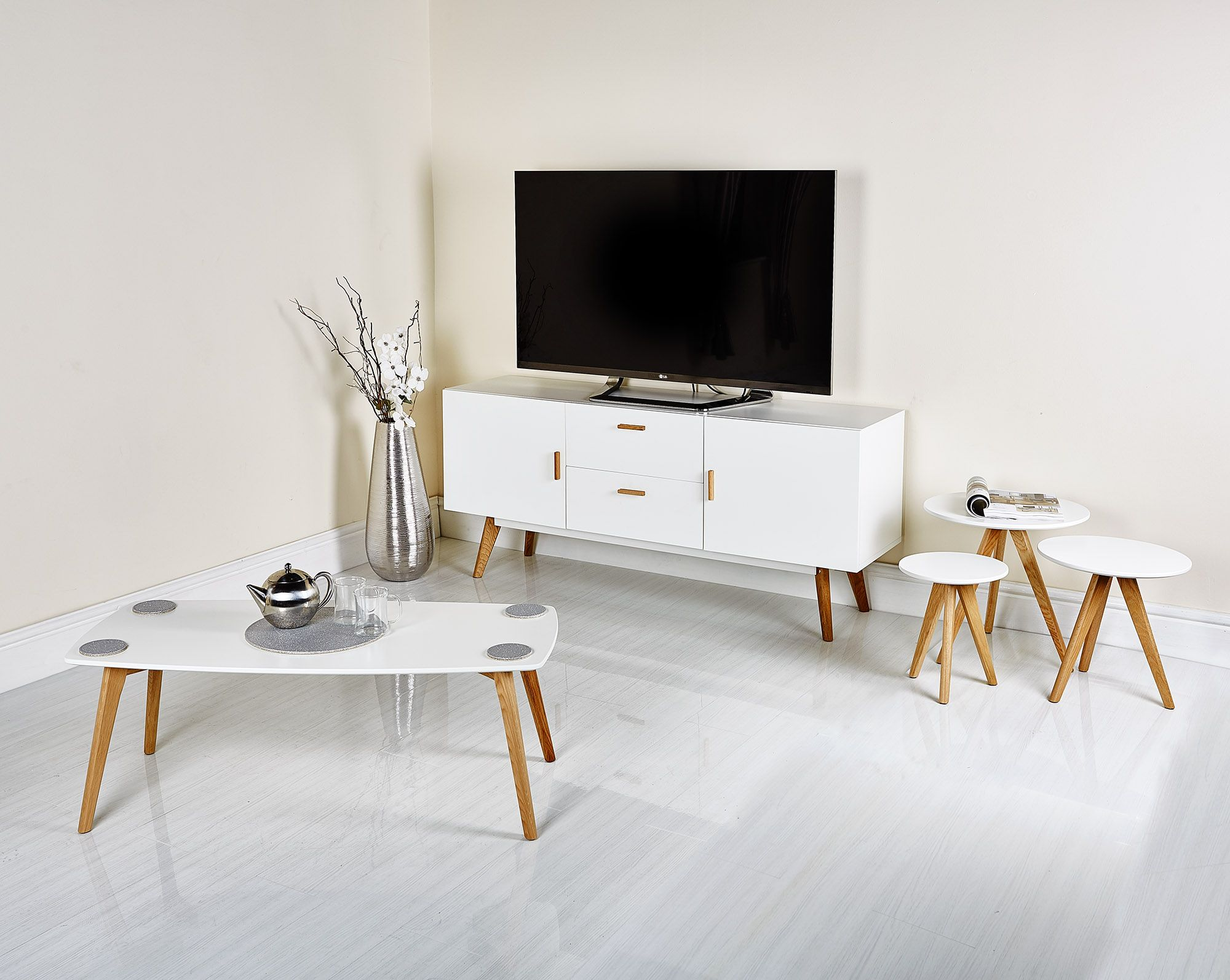 Modern Elegant Scandinavian Style Coffee Table Sideboard