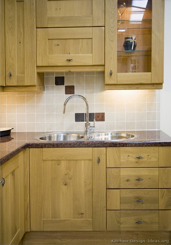 backsplash is plain simple goes with the lgt cabs and dark counter rh pinterest com